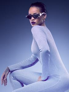 http://img198.imagevenue.com/loc190/th_763661967_RihannaChristianDiorEyewear201602_122_190lo.jpg