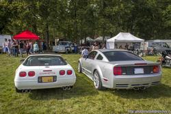 th_557087467_Chevrolet_Corvette_C4_et_Ford_Mustang_Saleen_122_369lo