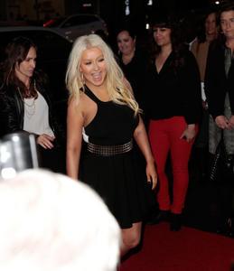[Fotos+Videos] Christina Aguilera en la Premier de la 4ta Temporada de The Voice 2013 - Página 4 Th_986109419_Christina_Aguilera_77_122_421lo