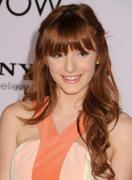 http://img198.imagevenue.com/loc467/th_177706593_BellaThorne_TheVow_HollywoodPremiere_13_122_467lo.jpg