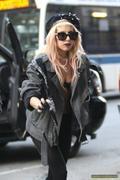 [Image: th_73107_Lady_Gaga_32_122_97lo.jpg]